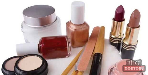 kozmetik-urunlerin-yuze-etkisi